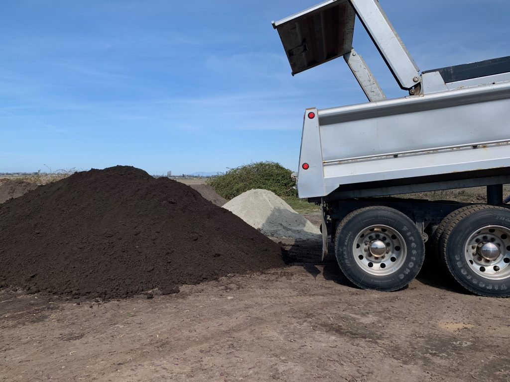 Turf blend lawn top soil bulk delivery